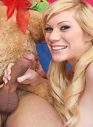 Flirty Blonde Sascha Gets Nailed On Sofa With Cumshot Teen Porn Pix