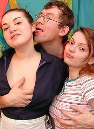 2 Teen Sluts 1 Lucky Guy! Teen Porn Pix