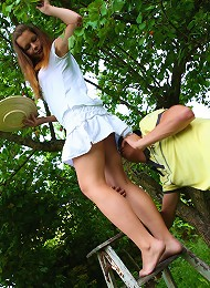 Kormel Was Supposed To Be Helping Sara Out In The Orchard But Every Time She Went Up The Ladder He Couldnt Resist Slipping His Fingers In To Her Panti Teen Porn Pix