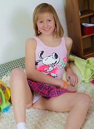 Cute Naive Teen Jackeline Gets Her First Anal Experience Teen Porn Pix