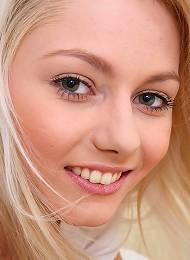 Gorgeous Blond Teen Pinky June Teasing Teen Porn Pix